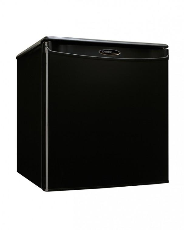 Large_DAR017A2BDD4 606x758 dar017a2bdd danby designer 1 7 cu ft compact refrigerator en us  at n-0.co
