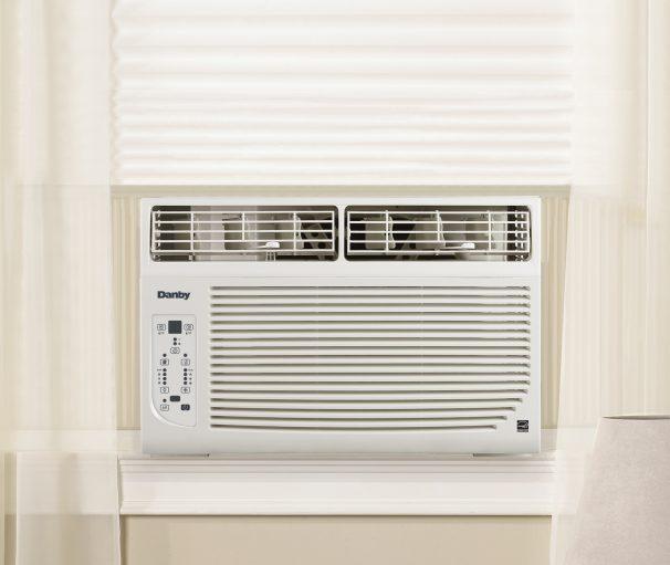 Dac060ecb4gdb danby 6000 btu window air conditioner en for Climatiseur de fenetre danby