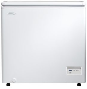 White Danby 5.1 cu. ft. chest freezer